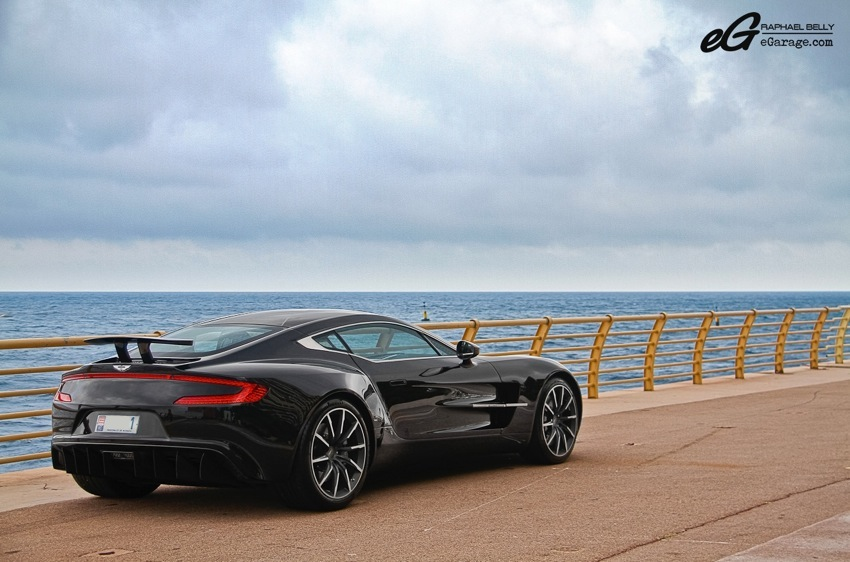 Aston Martin One-77 profile