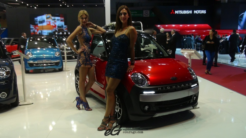 Girls Paris Motor Show 2014