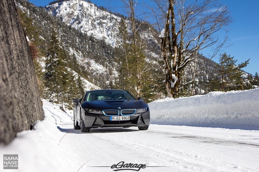 BMW I8 eGarage