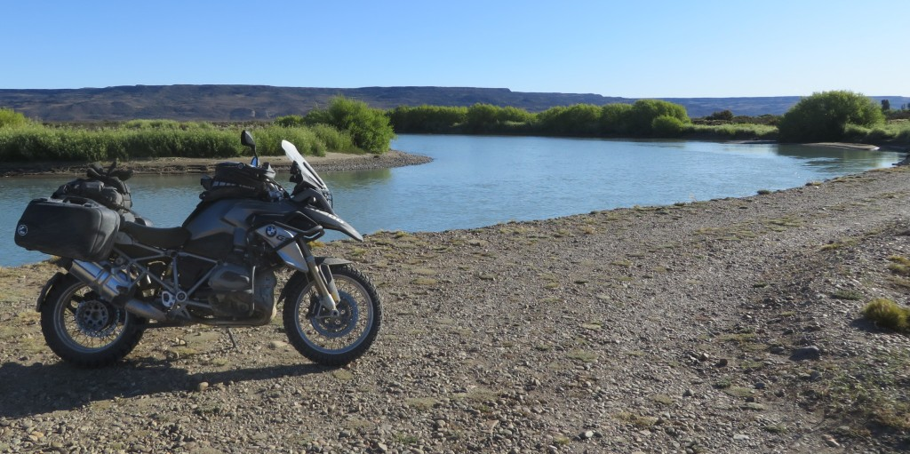 1200GS river patagonia
